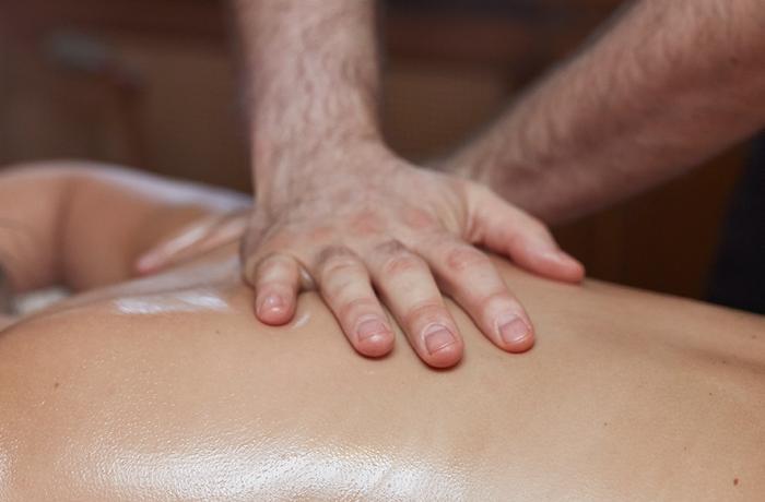Full Body Massage met etherische olie 80'