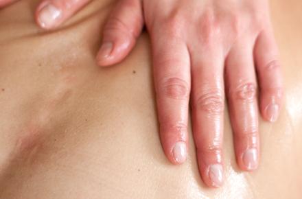 Massage corporel aux huiles essentielles 50'