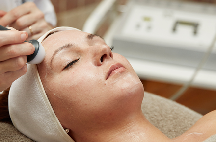 Facial Treatment Micro Meso 80'