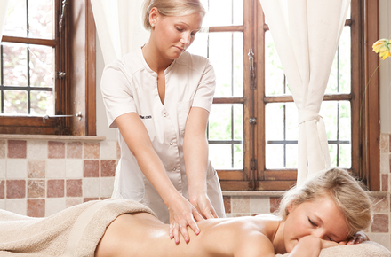 Private Sauna: Massage Package (Yasmine)